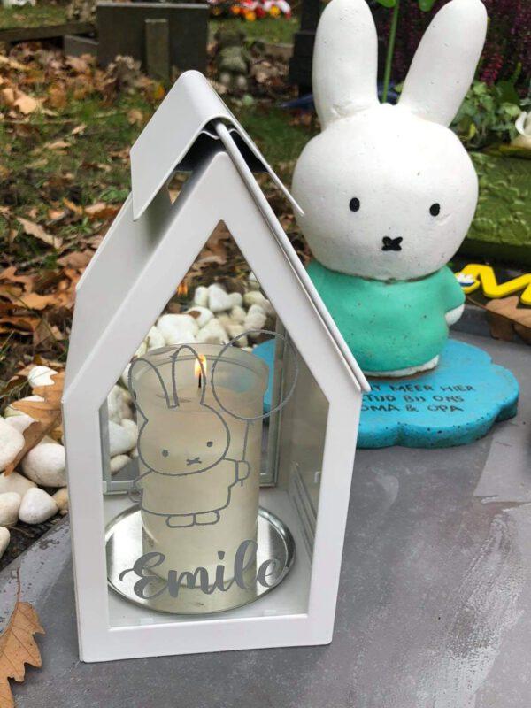 inspiratie foto windlicht huis met naamsticker 2